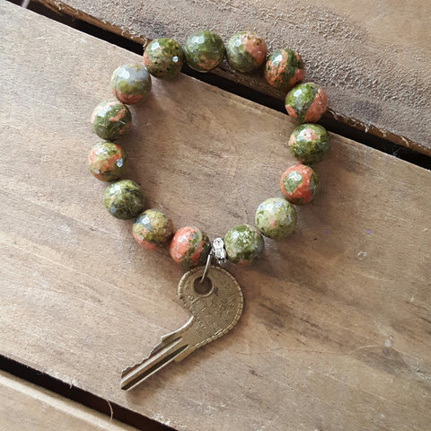uaknite pink green stone with vintage brass key charm protection bracelet