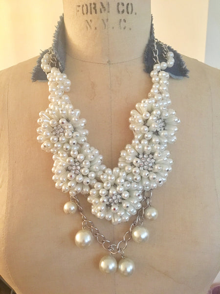 Denim Pearl Flowers Necklace