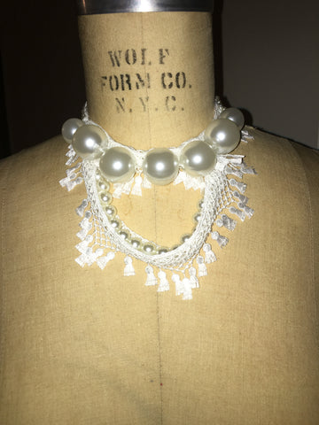 Giant Pesrl And Crochet Drop Chocker Collar