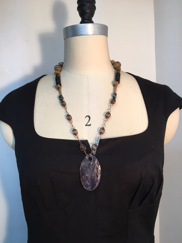 Bronze mix in the wood necklace