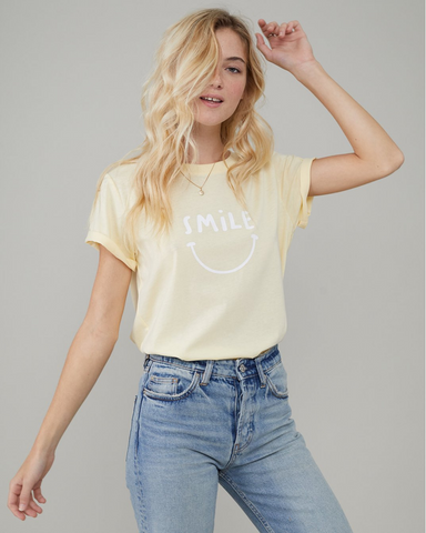 LILA Fashion | Smile Tee