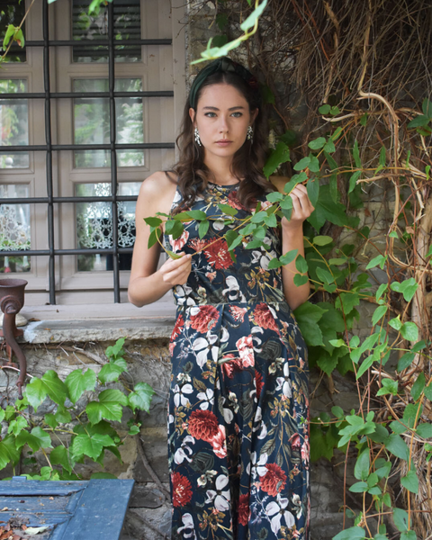 A la Rose Jumpsuit | Dark Florals