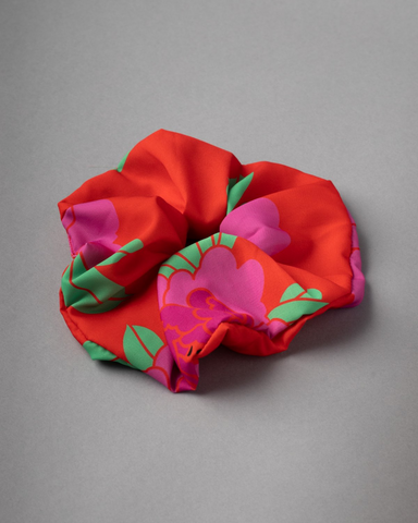 LILA Fashion | Tribe Scrunchie | Peonies Red