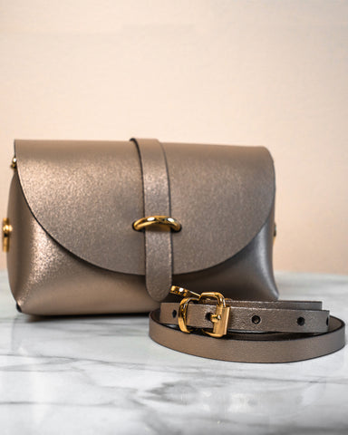 LILA Fashion | 'My Passport' Barrel Bag | Metal Sand