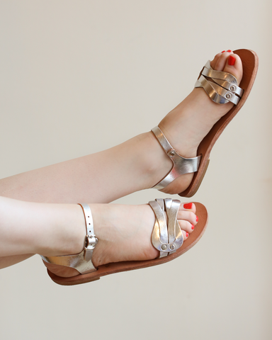 LILA Fashion | Aphrodite Love Knot Sandals | Silver