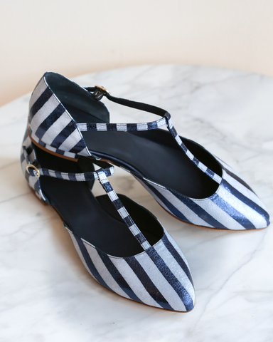LILA Fashion | Charleston Navy Flats