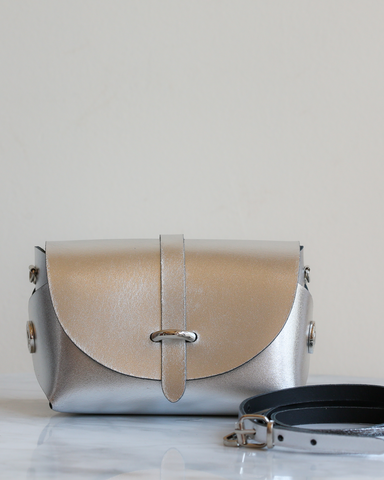 LILA Fashion | 'My Passport' Barrel Bag | Silver