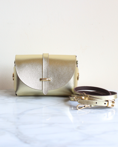 LILA Fashion | 'My Passport' Barrel Bag | Gold