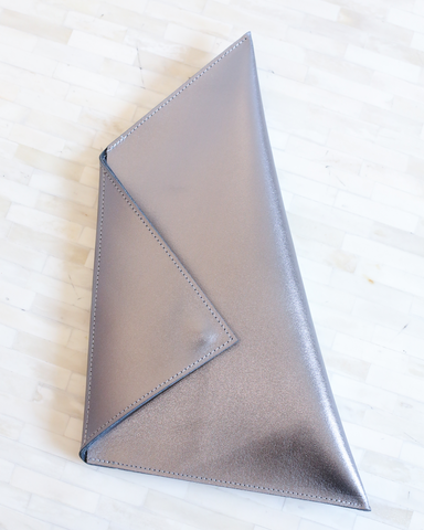 LILA Fashion | Thunder Clutch | Gunmetal
