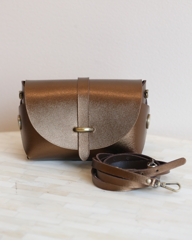 LILA Fashion | 'My Passport' Barrel Bag | Bronze