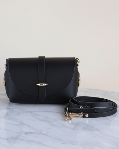 LILA Fashion | 'My Passport' Barrel Bag | Black