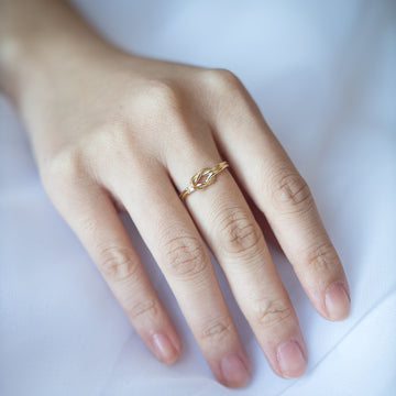 Double Knotted Ring
