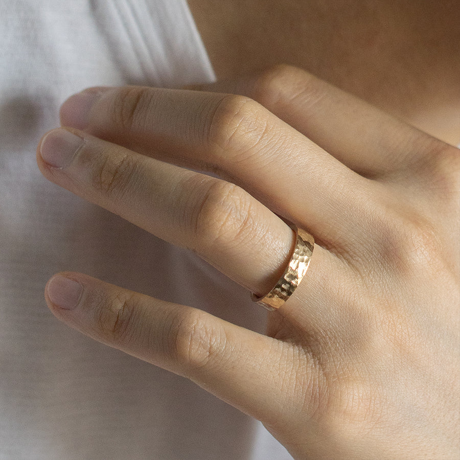 Flat Hammered Ring 6MM - Yellow Gold
