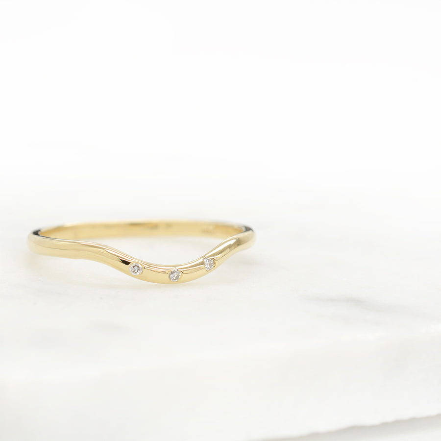 Curved Three Diamond Ring