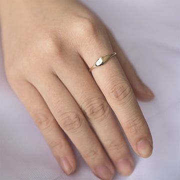 Eyelet Oval Signet Ring