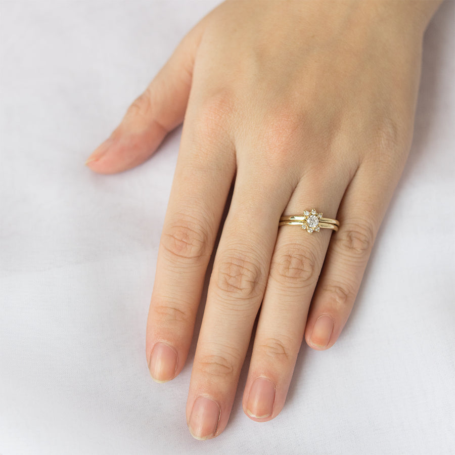 Dainty Halo Diamond Wedding Set