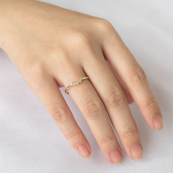 Bohemian Milgrain Curved Five Diamond Ring