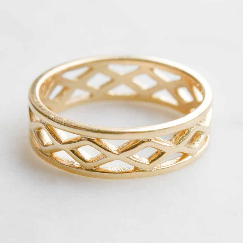 Criss Cross Ring - 5.50 MM - Sample