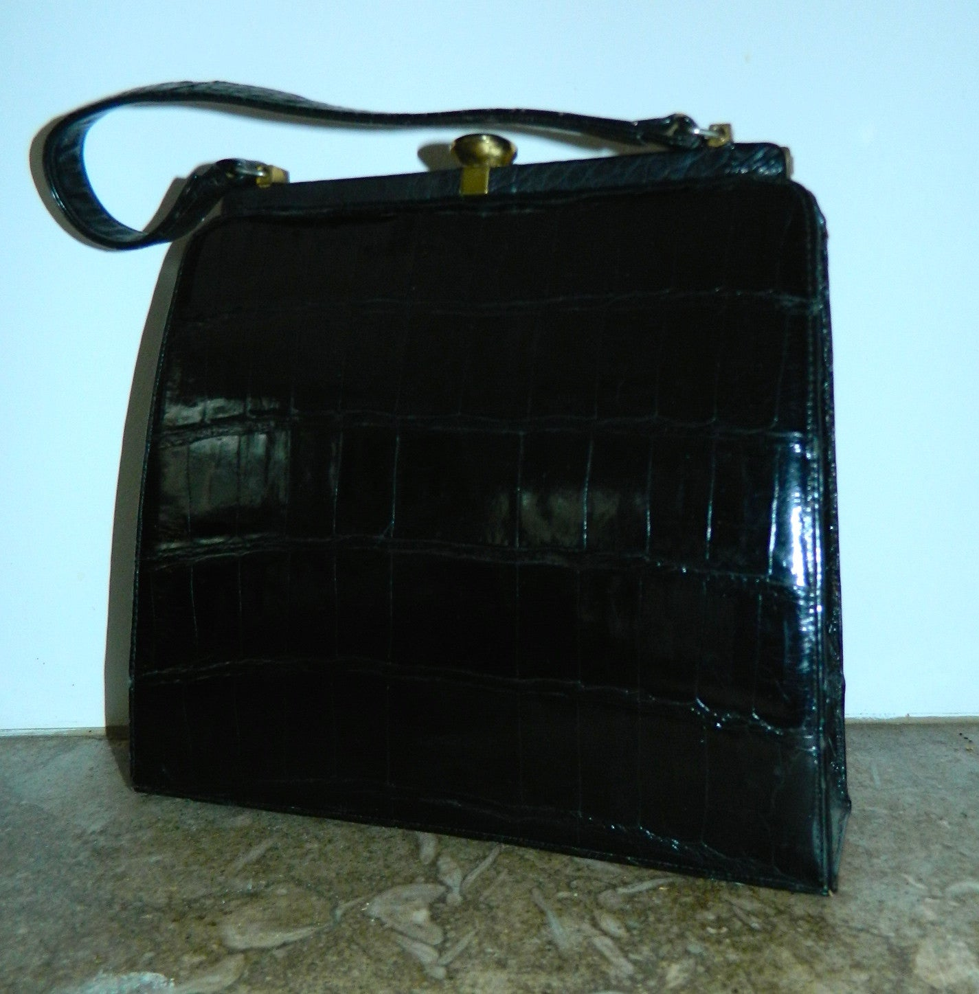 vintage black alligator handbag 1960s Bellestone gator purse