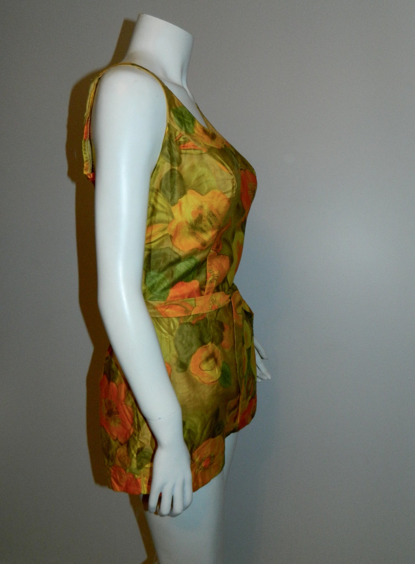 vintage 1960s floral ROMPER swimsuit / Sea Stars Sears bathing suit playsuit New With Tags 38