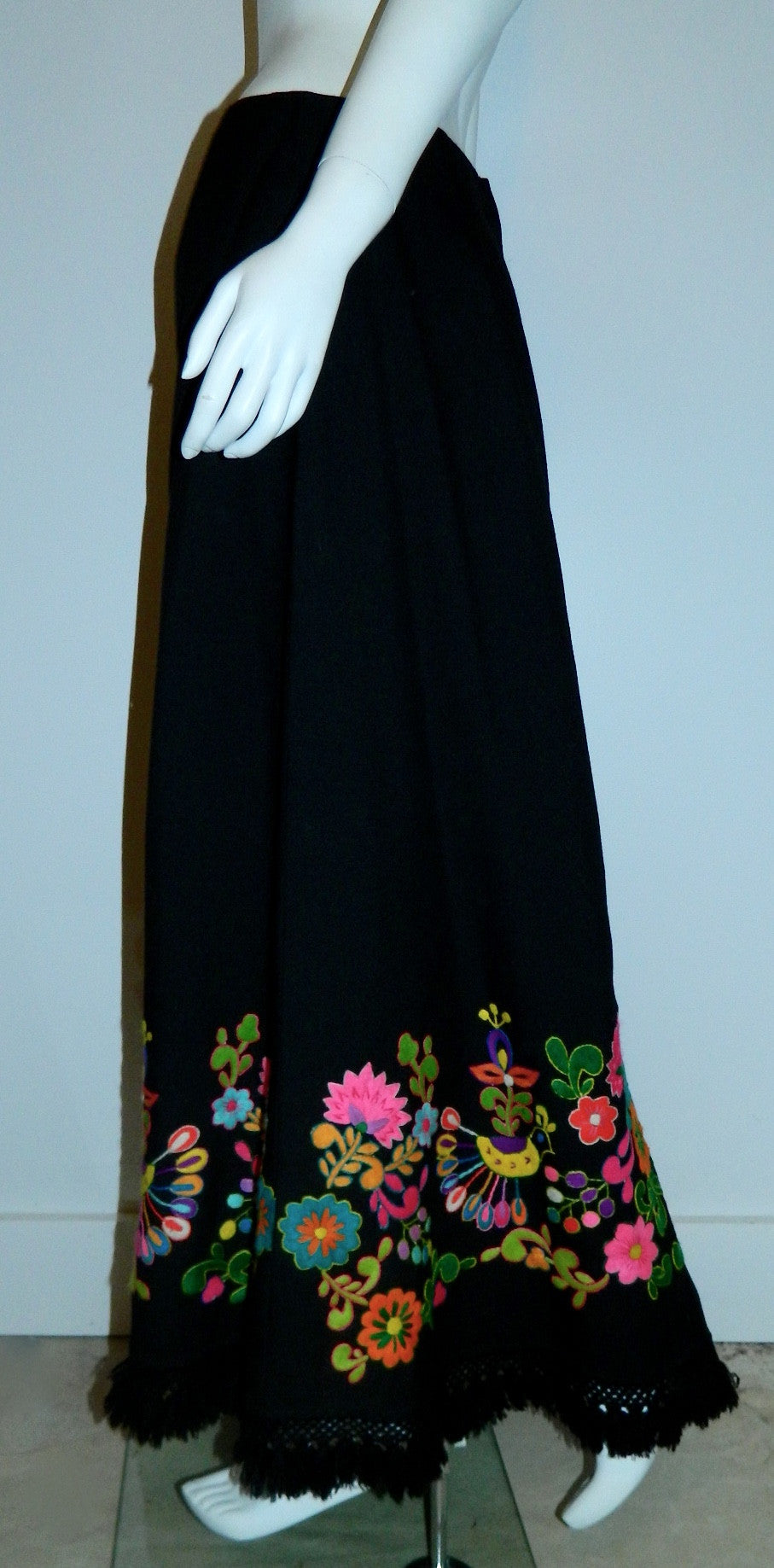 vintage 1970s maxi skirt / black wool Hand Embroidery psychedelic birds flowers Ecuador M