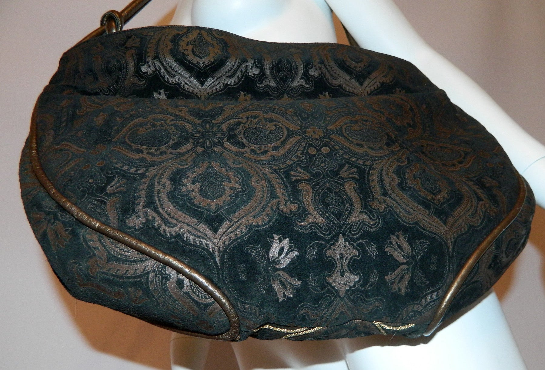 vintage 1980s black suede bag Braccialini / Baroque slouchy shoulder purse
