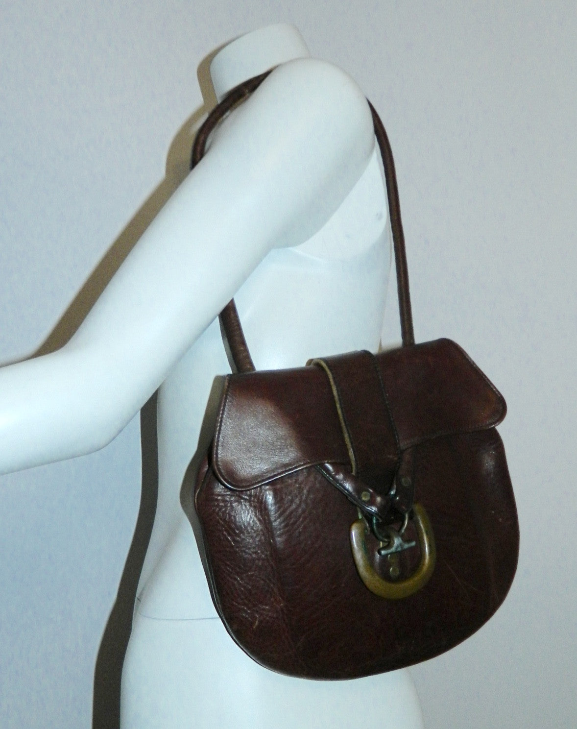 vintage 1970s purse brown leather Bort Carleton shoulder bag brass buckle