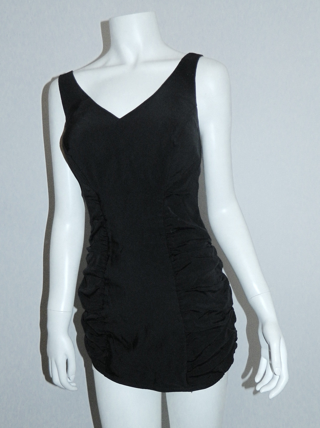 vintage 1950s black bathing suit / zip back / bullet bra / pin up VLV S - M