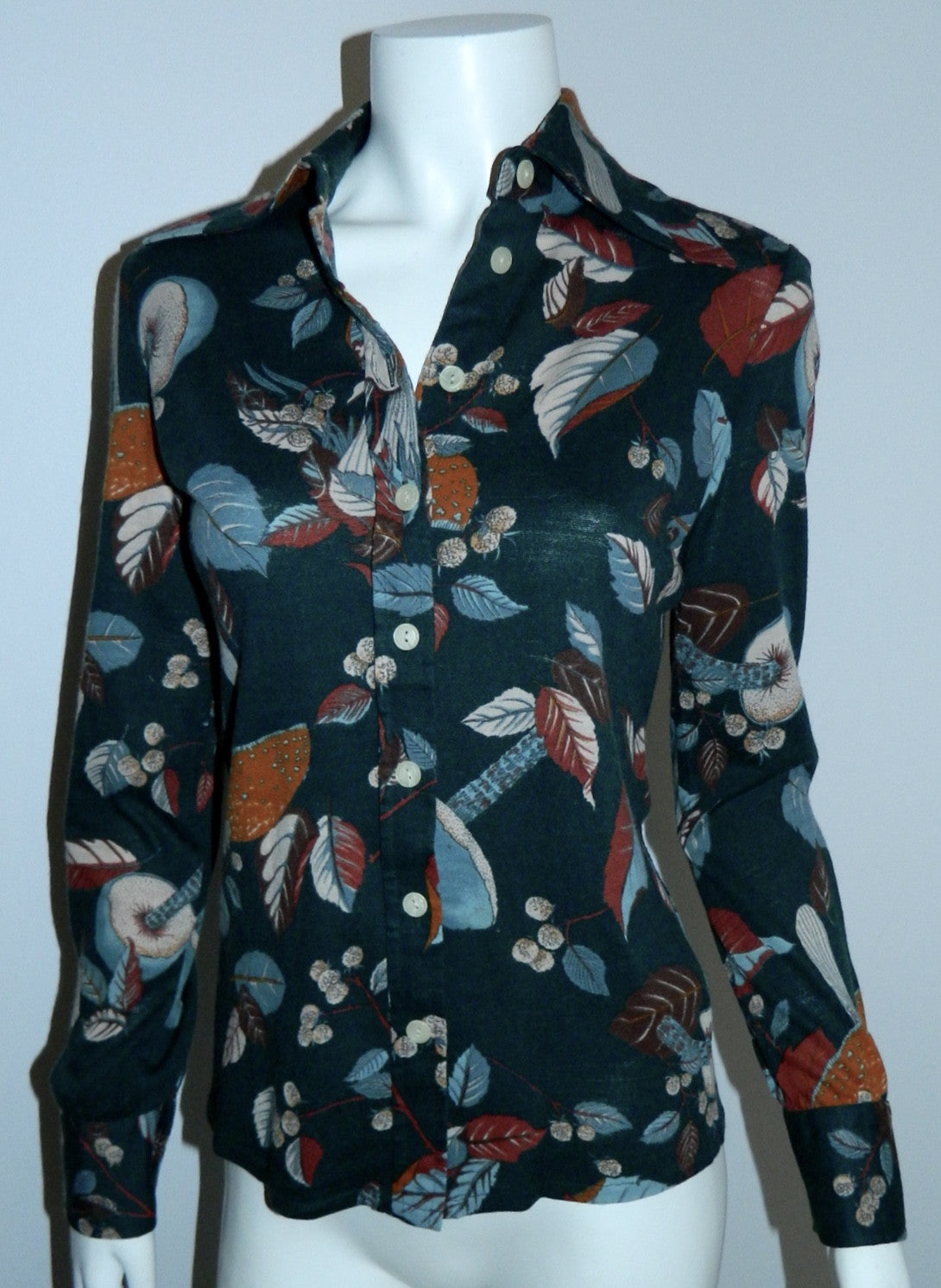 vintage 1970s blouse Fall foliage print / forest green leaves mushrooms Saint Clair Paris shirt XS