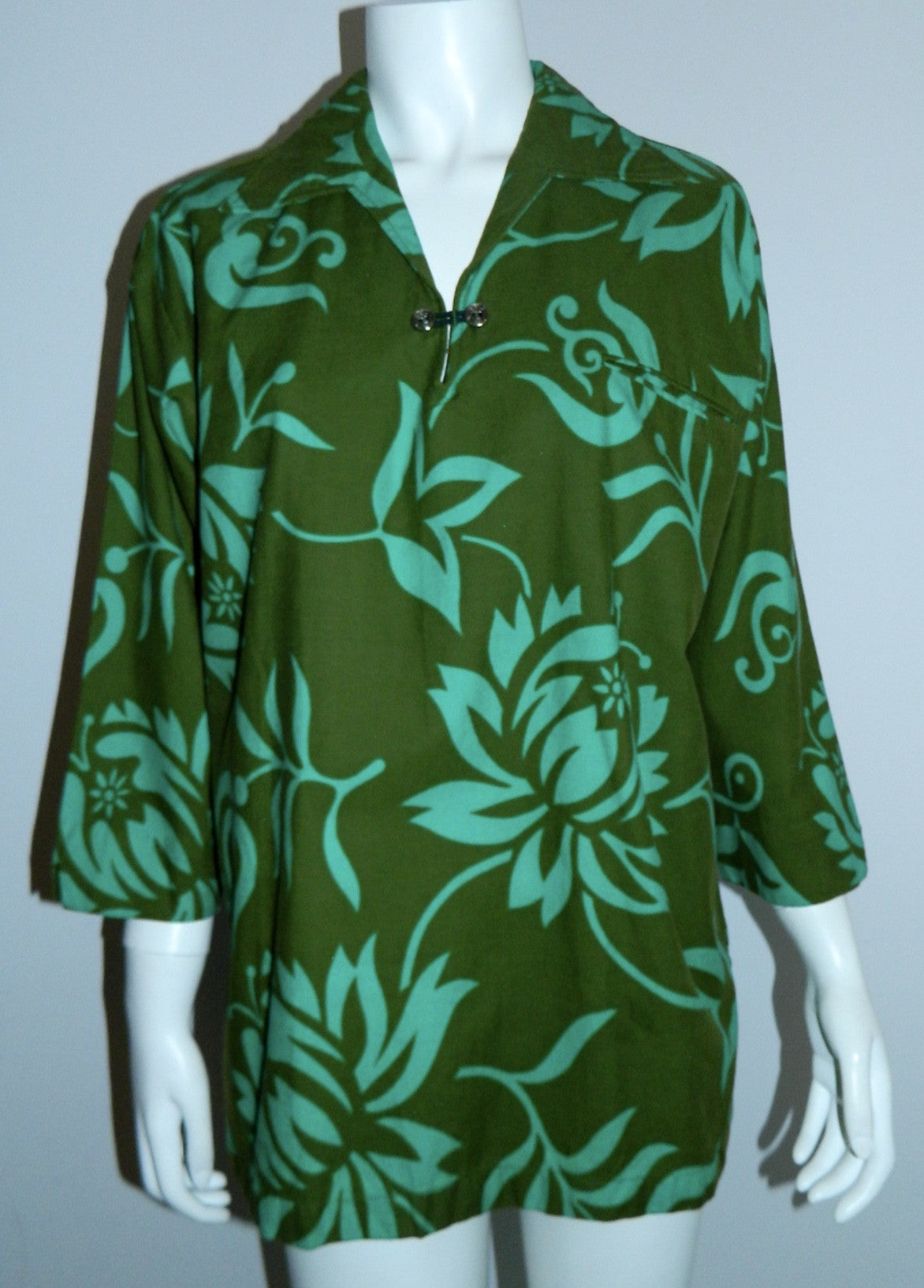 vintage 1960s polo shirt Hawaiian Holiday Sportswear green floral Dashiki tunic Mens M