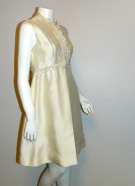 vintage wedding dress 1960s ivory MOD mini gown Saks Fifth Avenue peephole XS