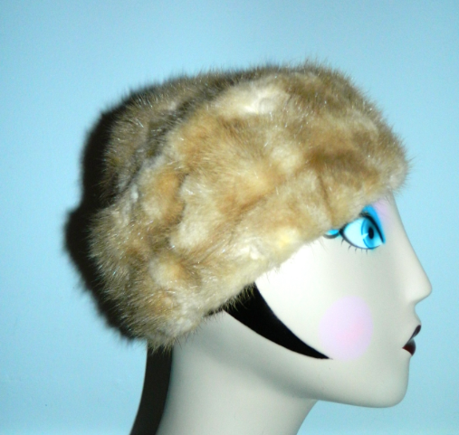 1960s blonde mink hat vintage Palomino mink fur cap Flemington Fur Co.