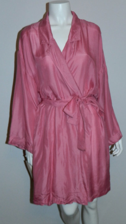 vintage 1980s pink silk robe / Barbizon bathrobe / kimono sleeve / NOS