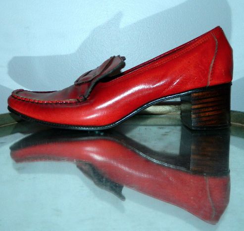vintage 1960s heels red Pilgrim Buckle loafers MOD square toed shoes 9 N