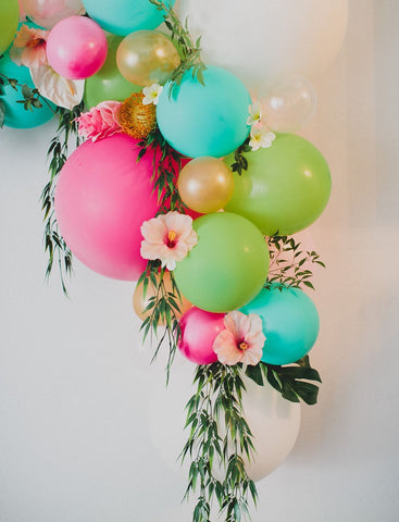 colorful Hawaiian balloon garland for baby showers and bridal showers