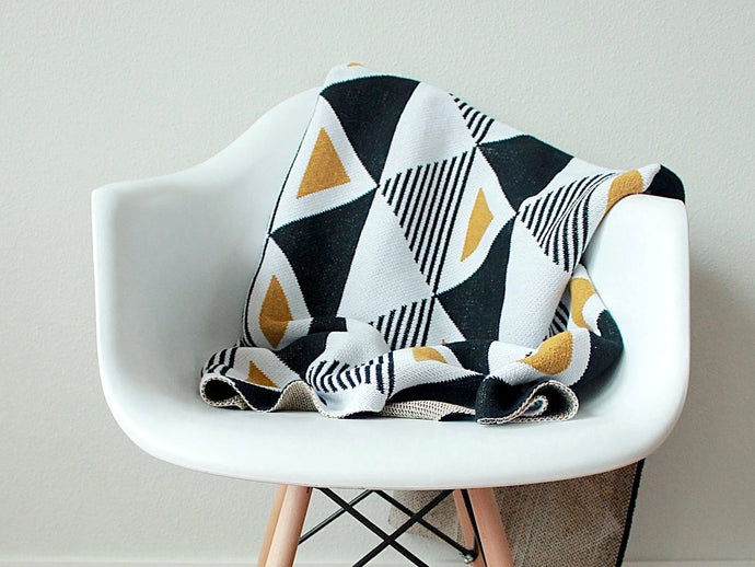 Envie Throw Blanket