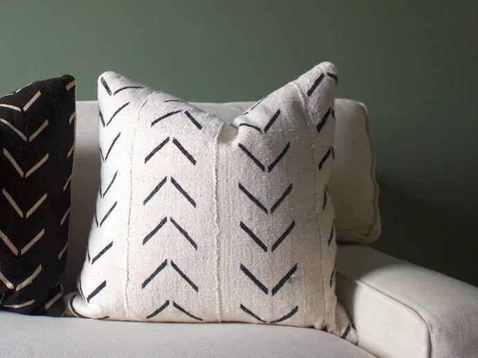 Mudcloth Pillow Cover - White Arrow