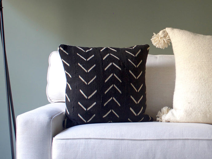Mudcloth Pillow Cover - Black Arrow