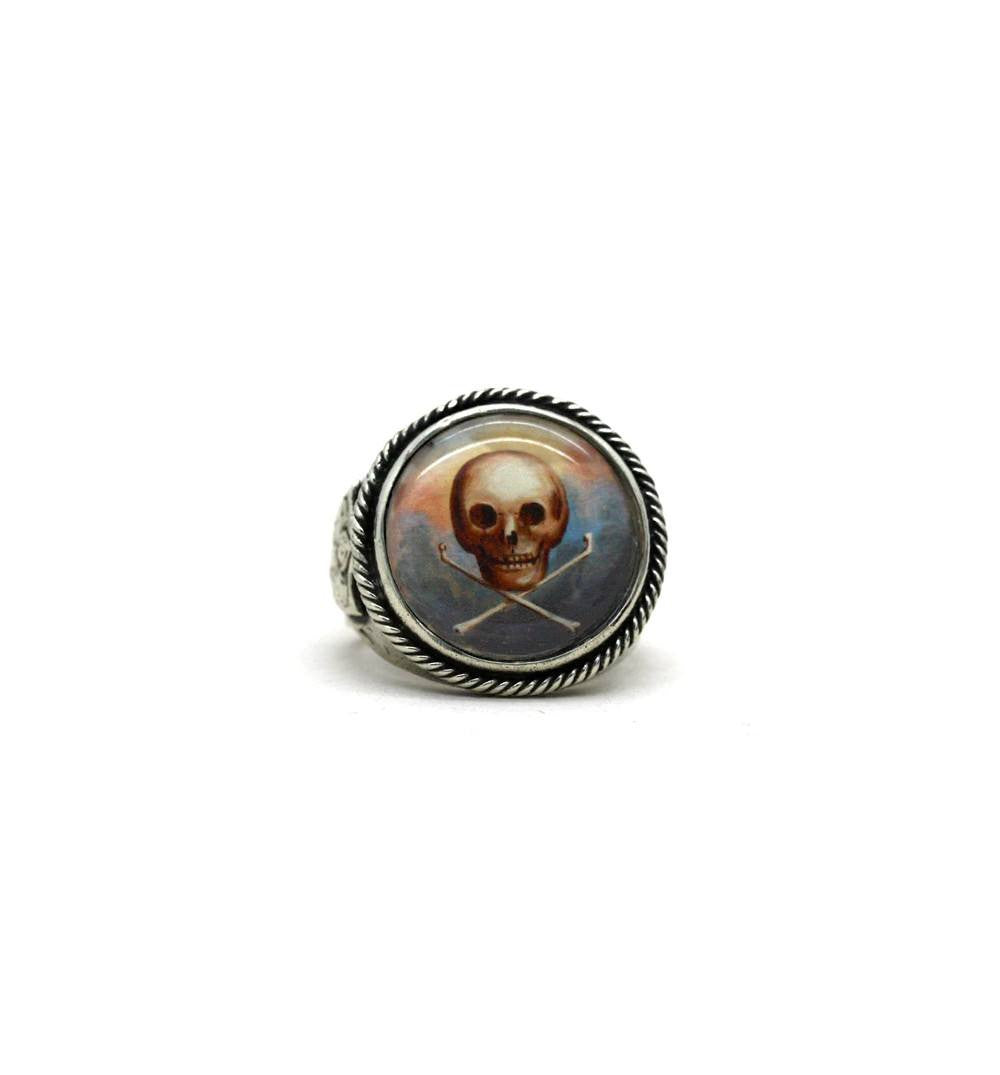 Repop Mfg - Floating Skull Image Ring - Jewelry - Iron and Resin