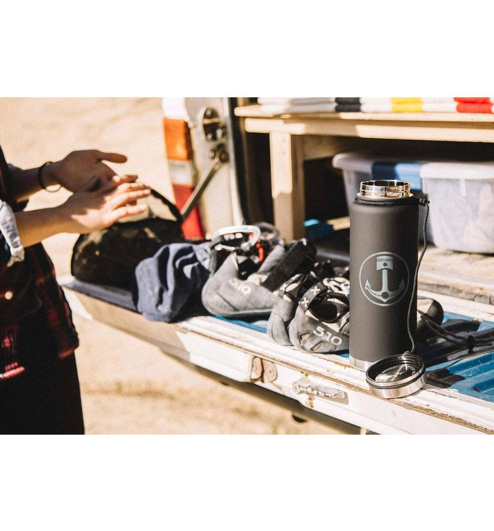 INR x Mizu V12, Soft Touch Black - Houseware: Thermos - Iron and Resin