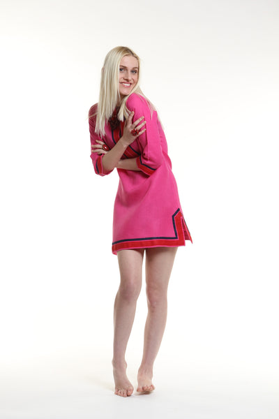 Fuchsia body, broad trim is red and thin trim is navy.  100% linen, pre shrunk, machine washable and dryer friendly.