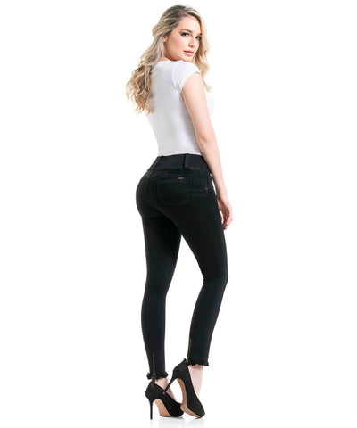 HARLOW - Push Up Jean by BonitaBella