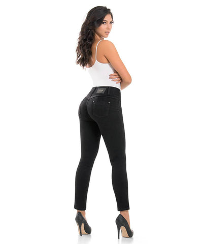 MADISSON - Push Up Jean by BonitaBella