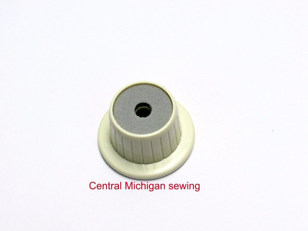 Singer Replacement Spool Pin Cap Lead Off Fits Models 600, 603, 604, 620, 628, 630, 630E, 635, 636, 638, 639, 640, 640E, 645, 646, 648, 649, 737, 750, 755, 756, 758, 770, 775, 778, 800, 860, 900, 920, 925, 1022, 1030, 1036, 1200, 2000, 2001, 2005, 2010