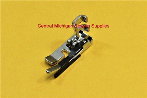 Singer Sewing Machine Quarter Inch Foot With Guide Fits Models 15, 66, 99, 201, 221, 222