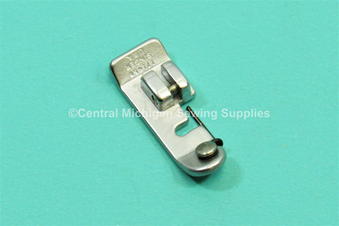 Vintage Original Singer Slant Needle Snap On Foot Overedge Part # 161921 Will Fit Models 401a, 403a, 500a, 503a, 600
