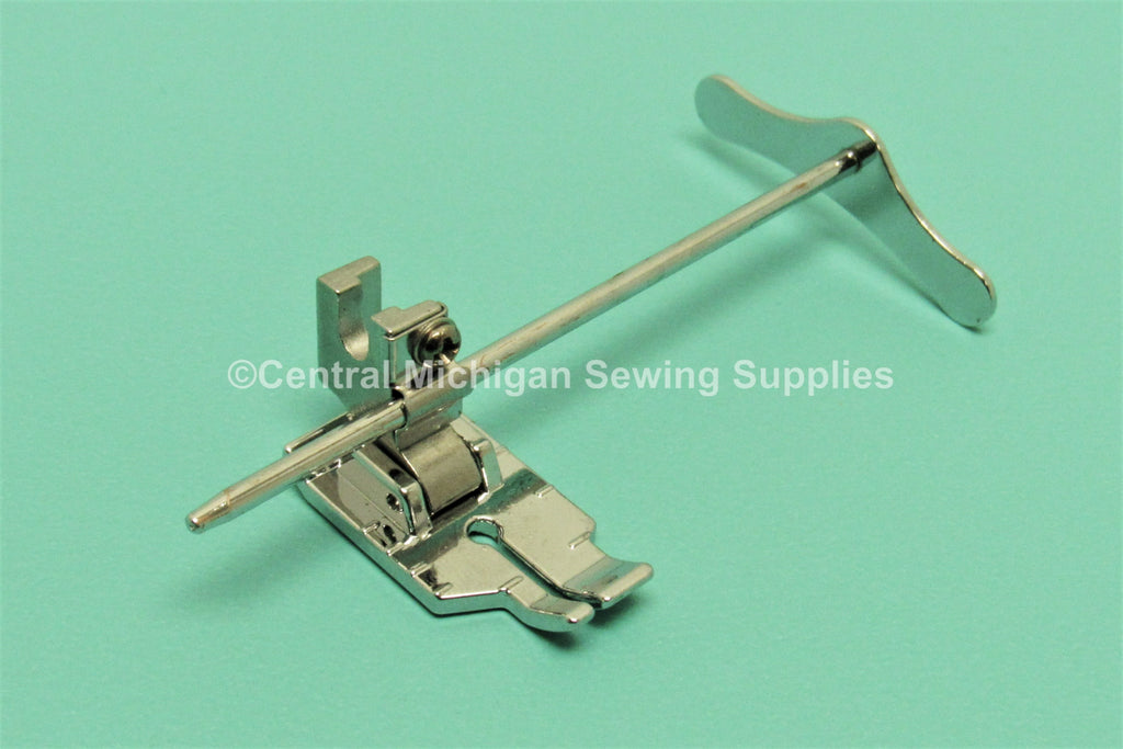 "Singer Low Shank 1/4"" Quilting Foot With Metal Guide Fit Models 27, 28, 66, 99, 15, 201, 206, 221, 222, 237, 239, 242, 247, 248, 252, 257, 306, 319"