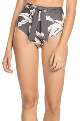 Lilly Slim Hot Pant