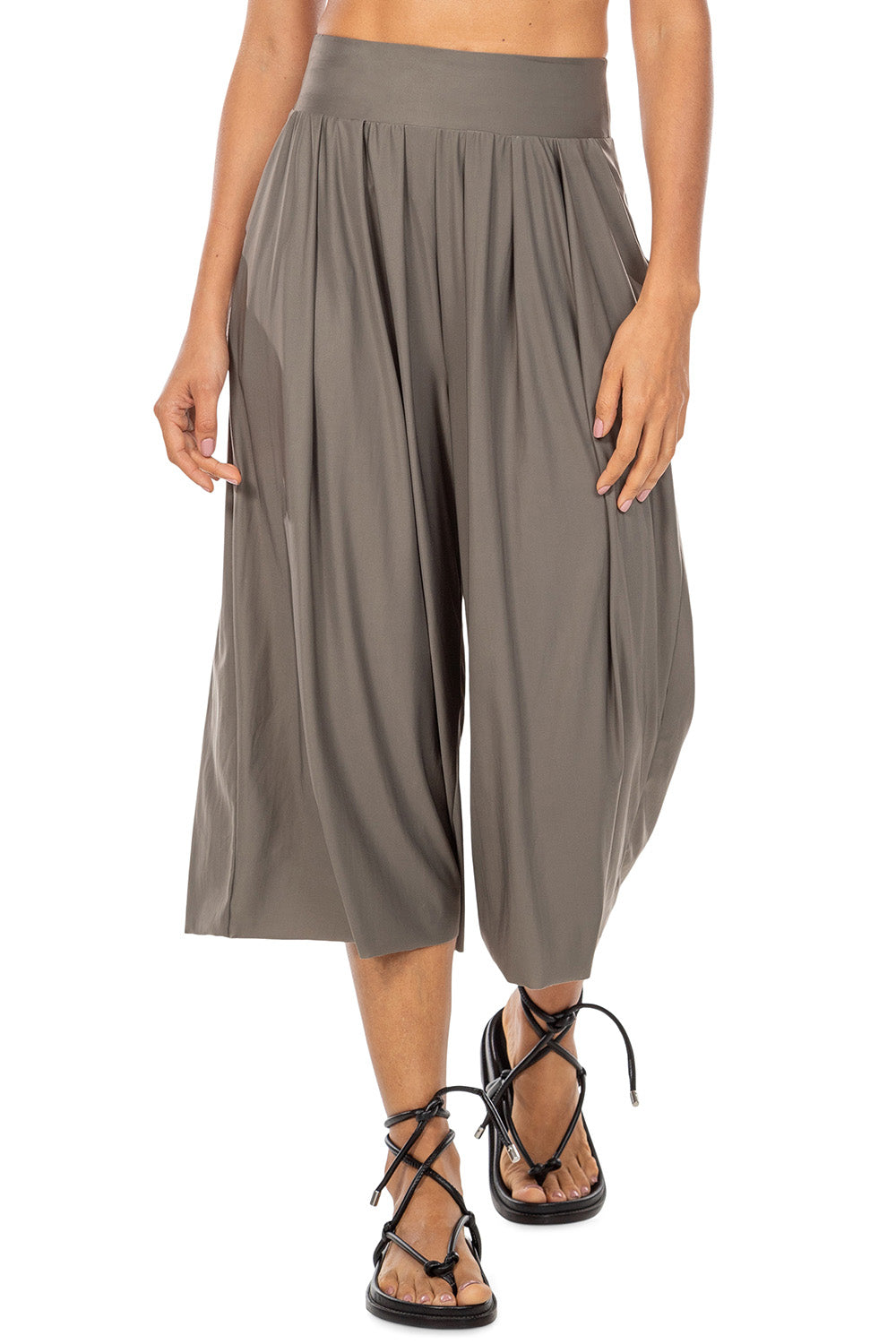 Timeless Pantacourt Pants 1
