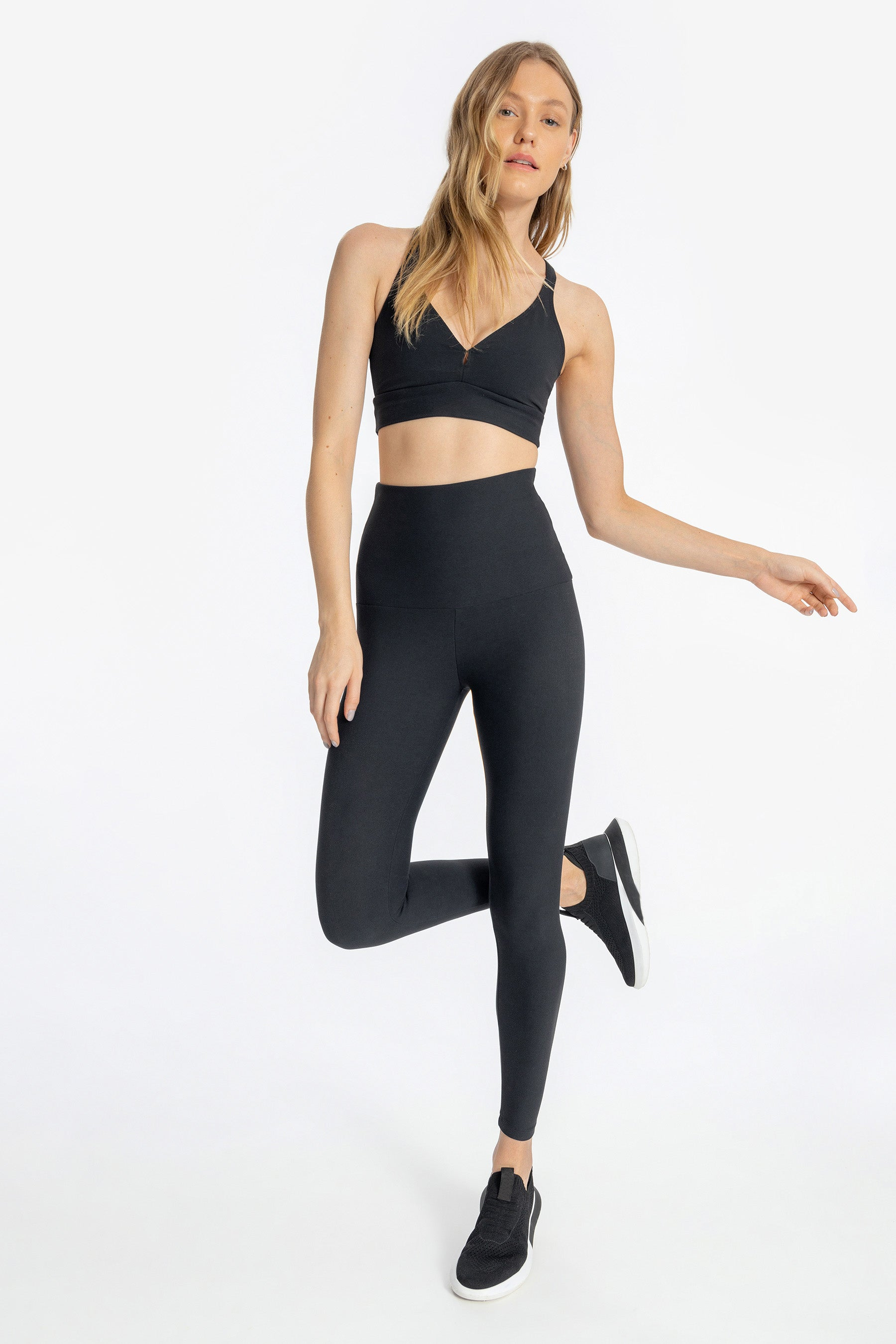 Essential Active High Legging 1
